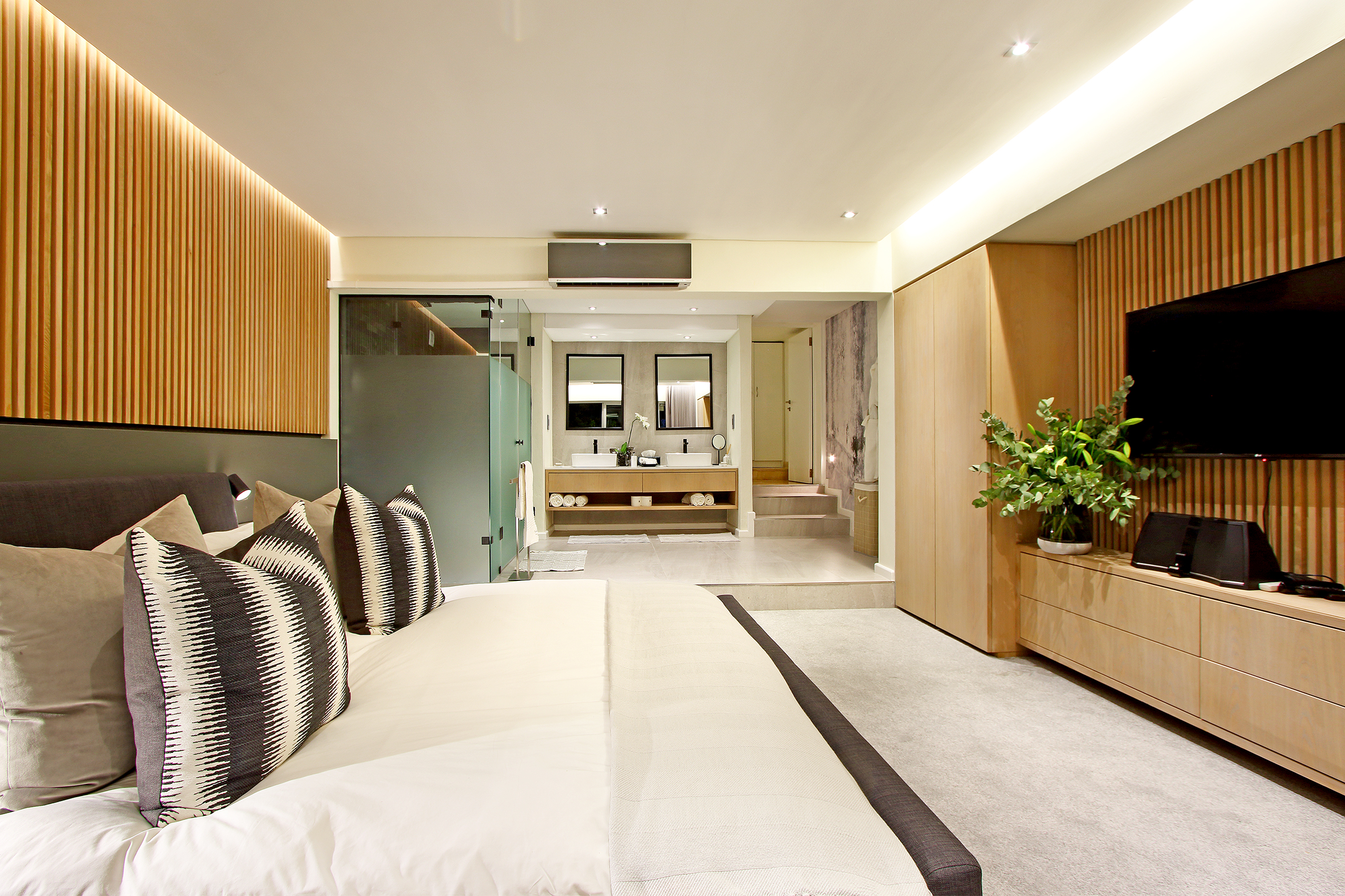 Downstairs Suite 2
